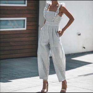 Vici Fresh Start Pocketed Jumpsuit - size M